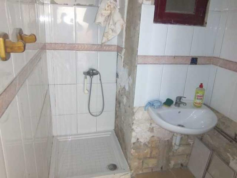 Apartment in the centre of Alicante (need of repair)